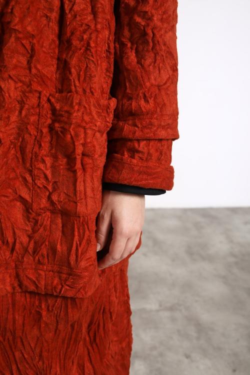 Crinkle effect coat