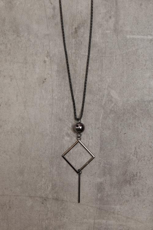 Collier métal veilli