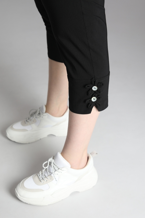 Pants 7/8th flower buttons
