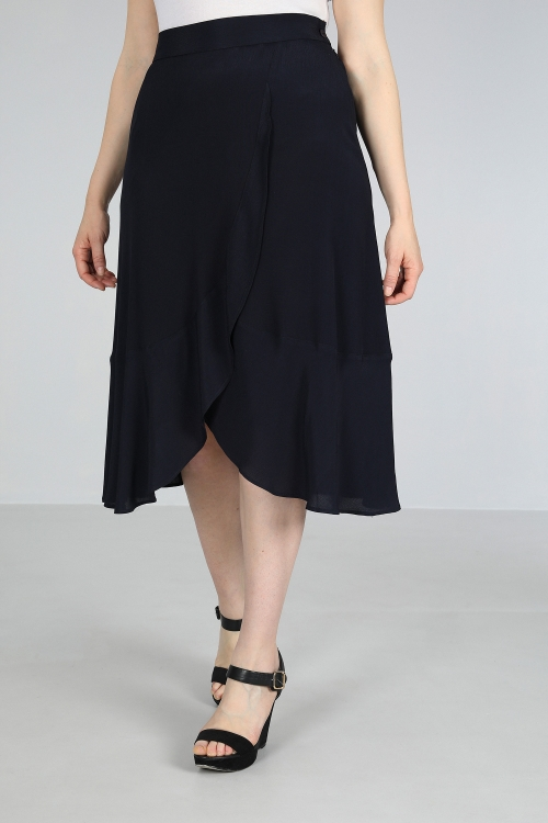 Fluid viscose skirt