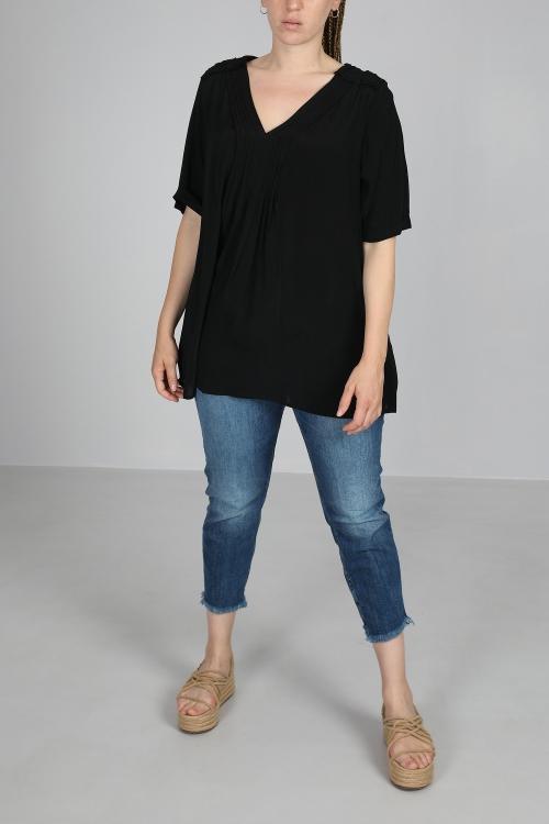 Folder shirt with pleats
