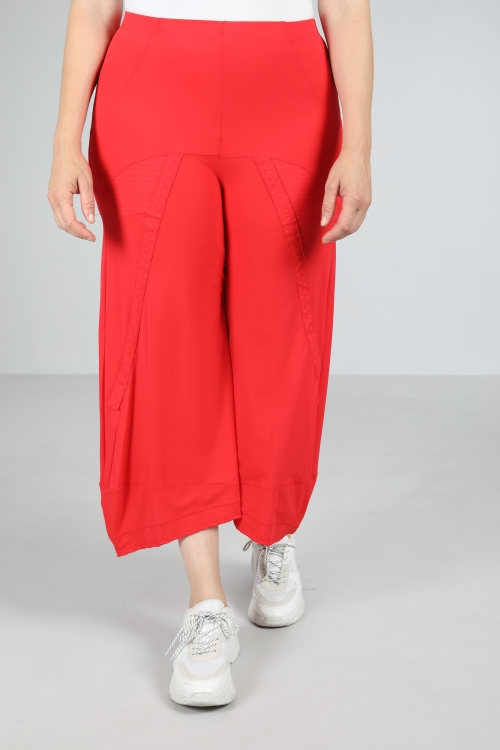Wide-brimmed trousers