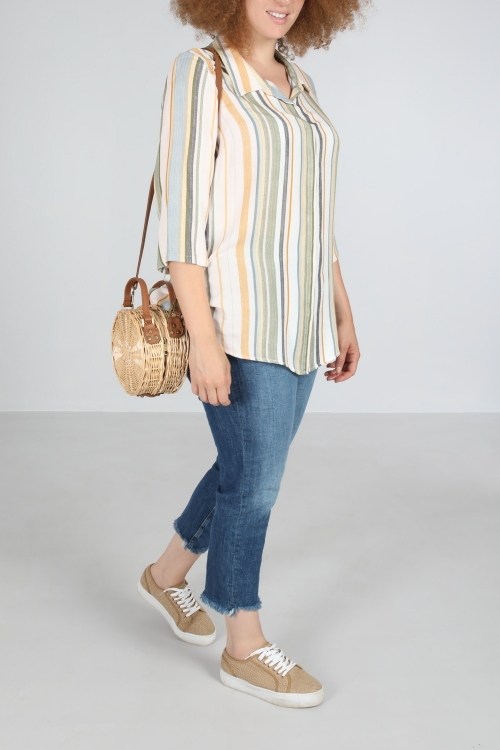 Straight shirt with stripe