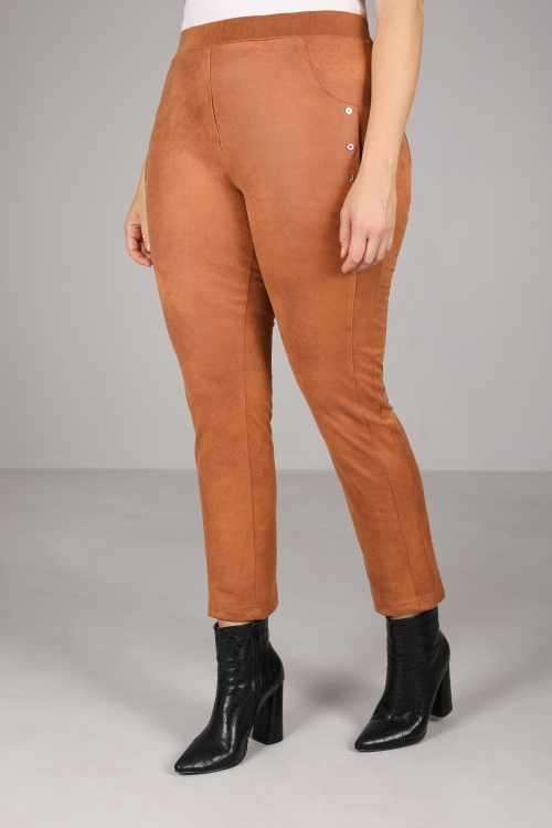 Stylish buttoned trousers