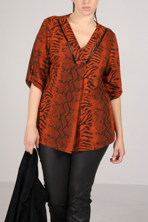 Printed V-neck top (Delivery 20 oct.)