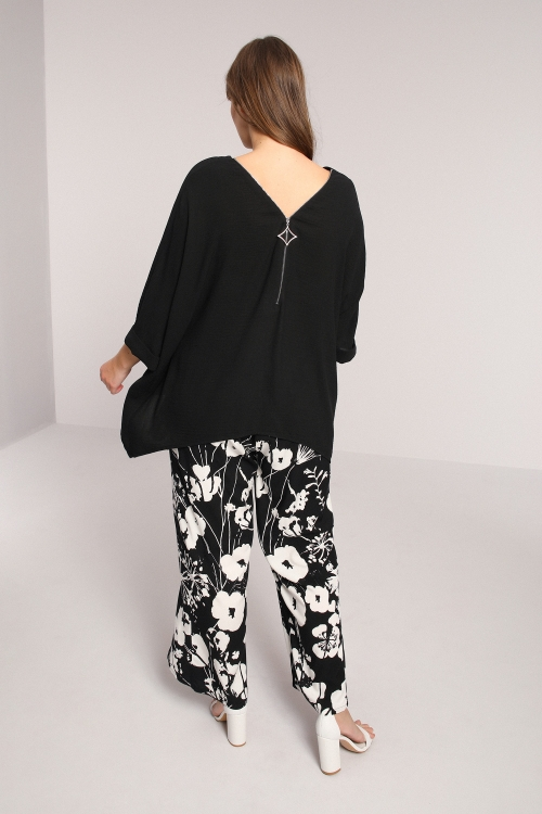 Oversized printed blouse