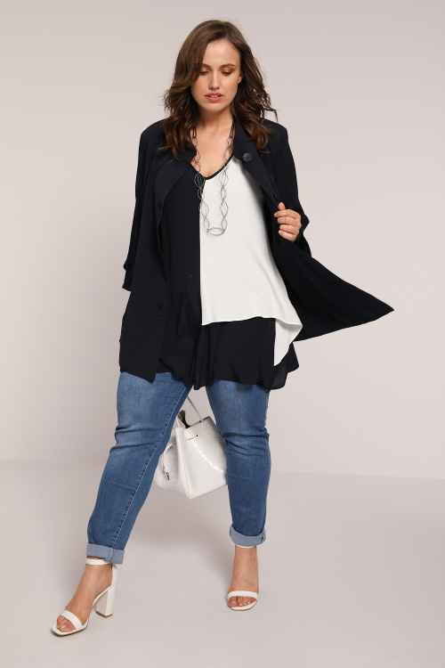 Fluid crepe jacket