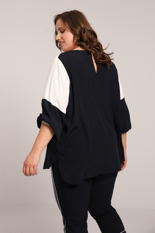 Navy / white crepe blouse