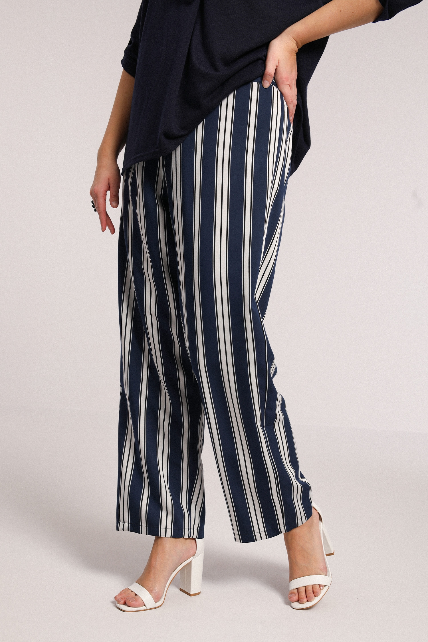 Striped flowing pants