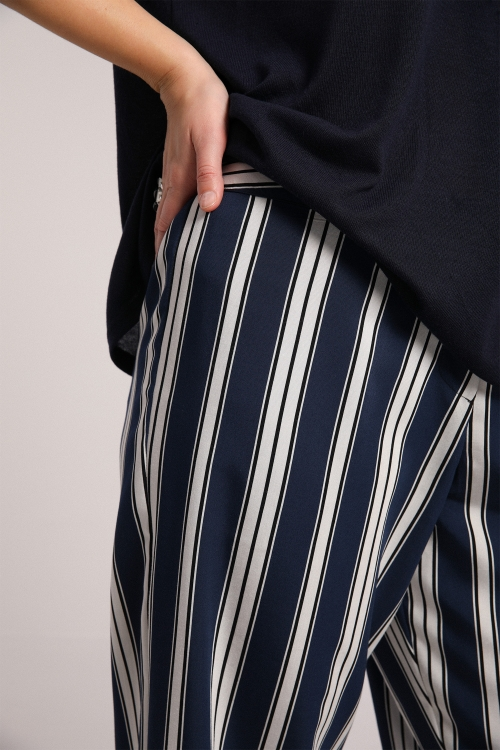 Fluid striped pants