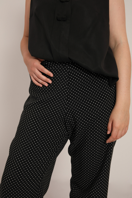 Fluid pants with polka dots