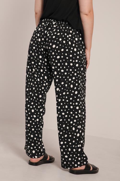 Fluid printed pants