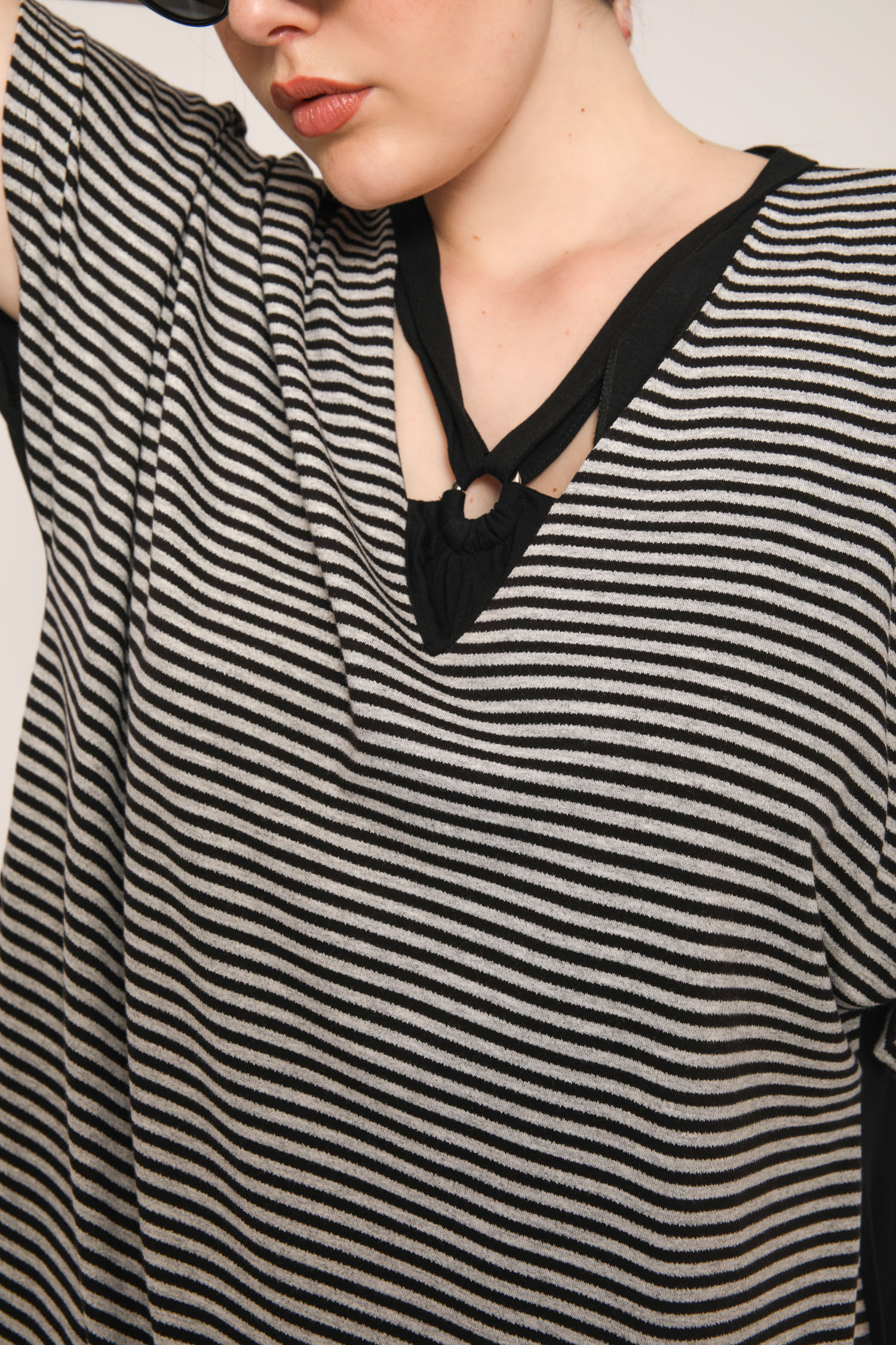 Striped T-shirt collar with ring