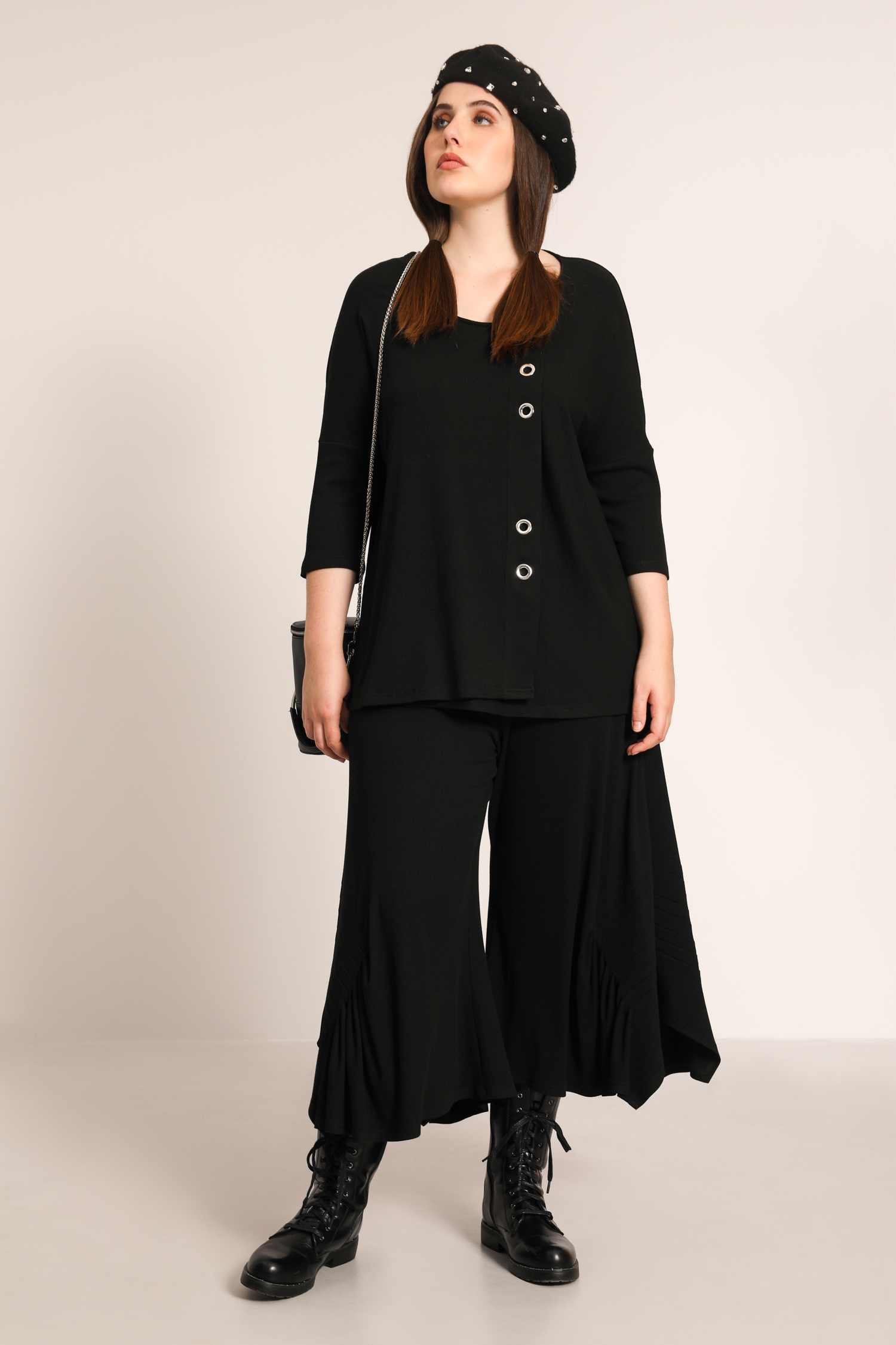 Rib sweater with eyelets (Delivery 25 - 30/07)