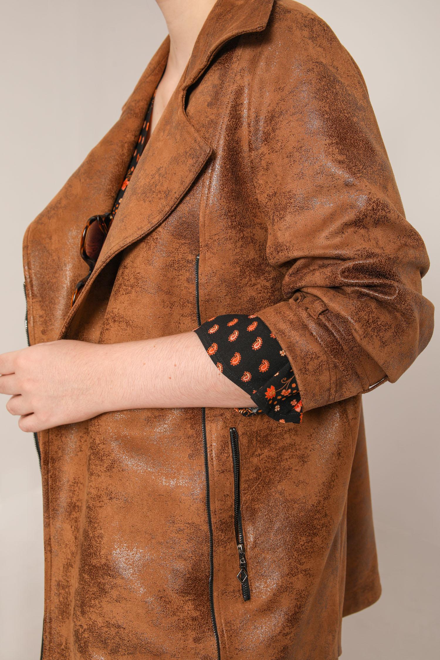 Long zipped vegan leather jacket