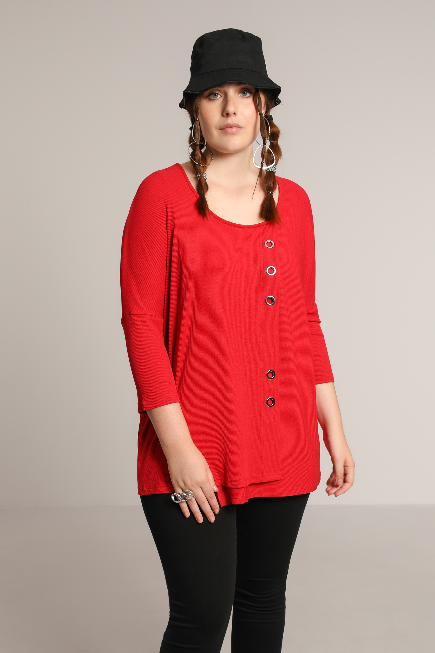 Sweater with eyelets