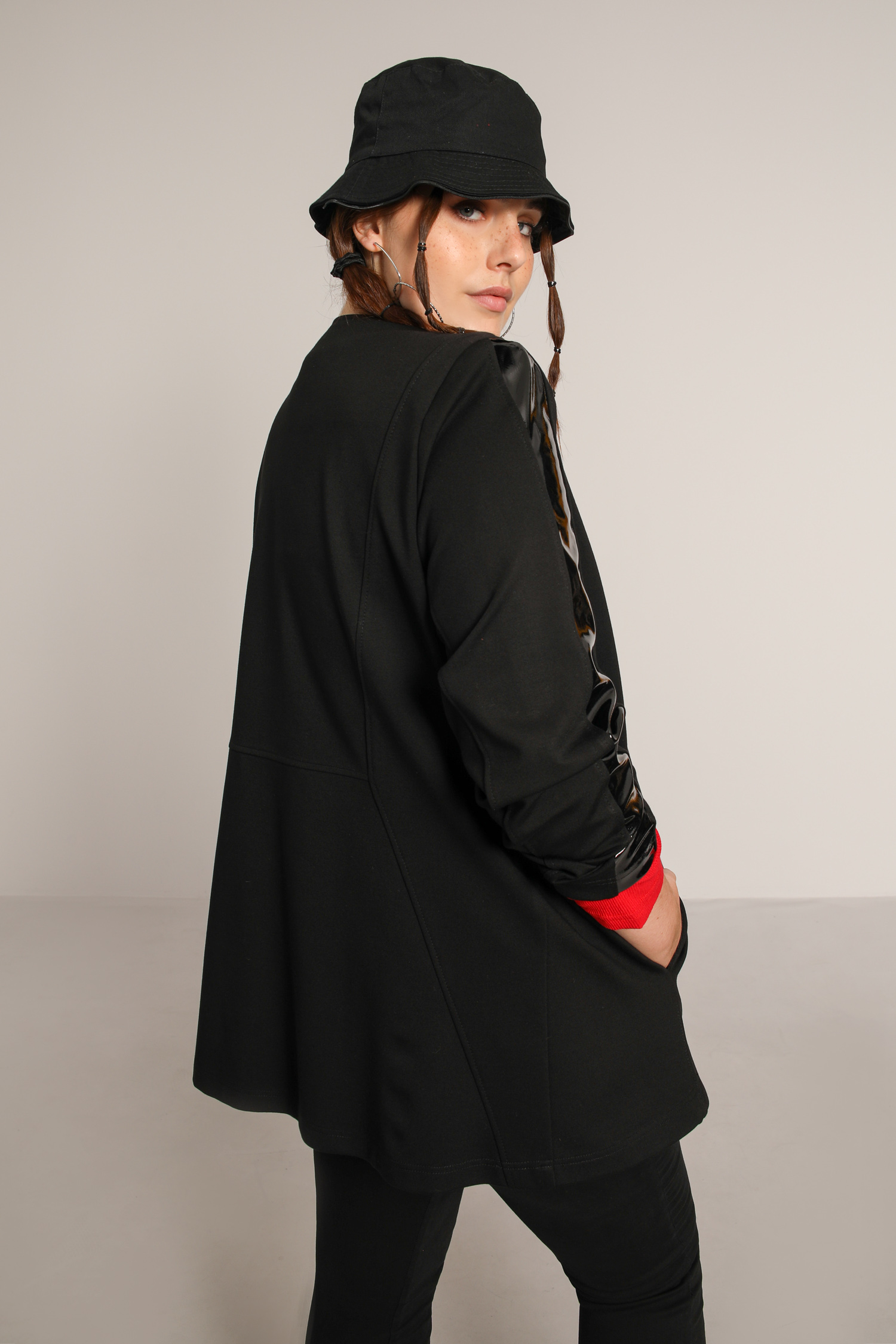 Straight jacket in bomba and vinyl