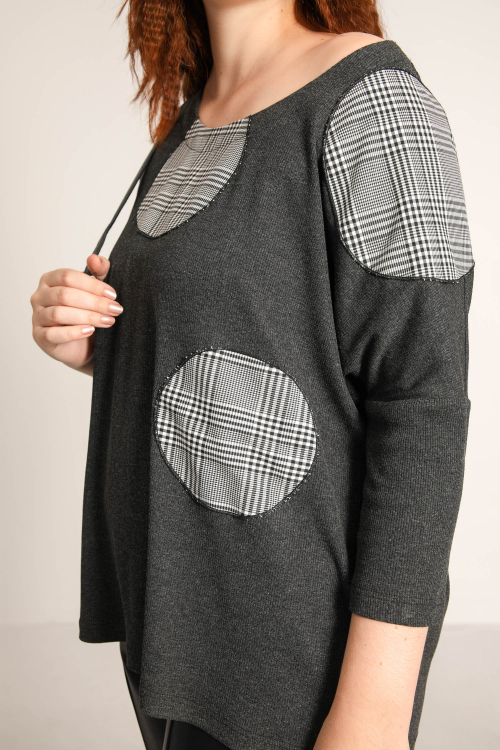 Rib sweater with patch
