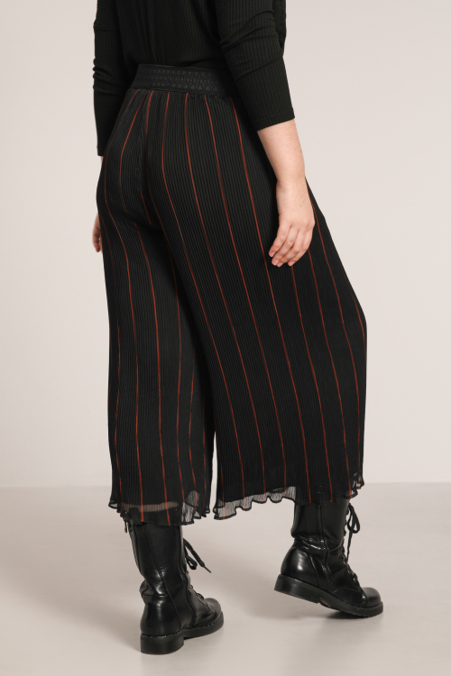 Long pleated voile culottes