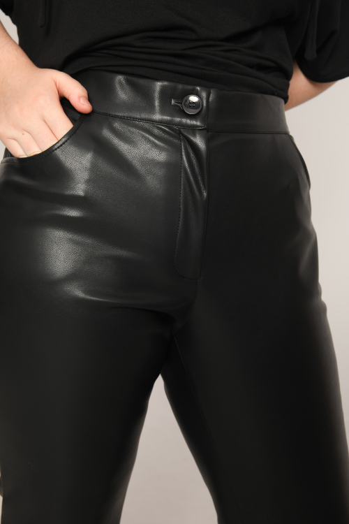 5 pockets vegan leather pants (Delivery 15/20 Octobre)