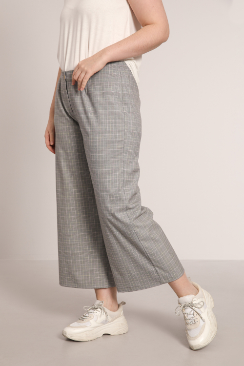 7/8 trousers with small checks
