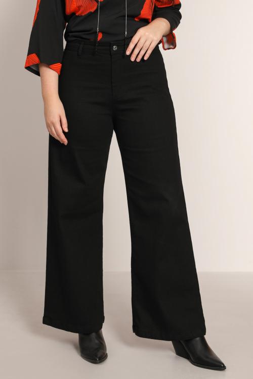 Black wide bottom jeans
