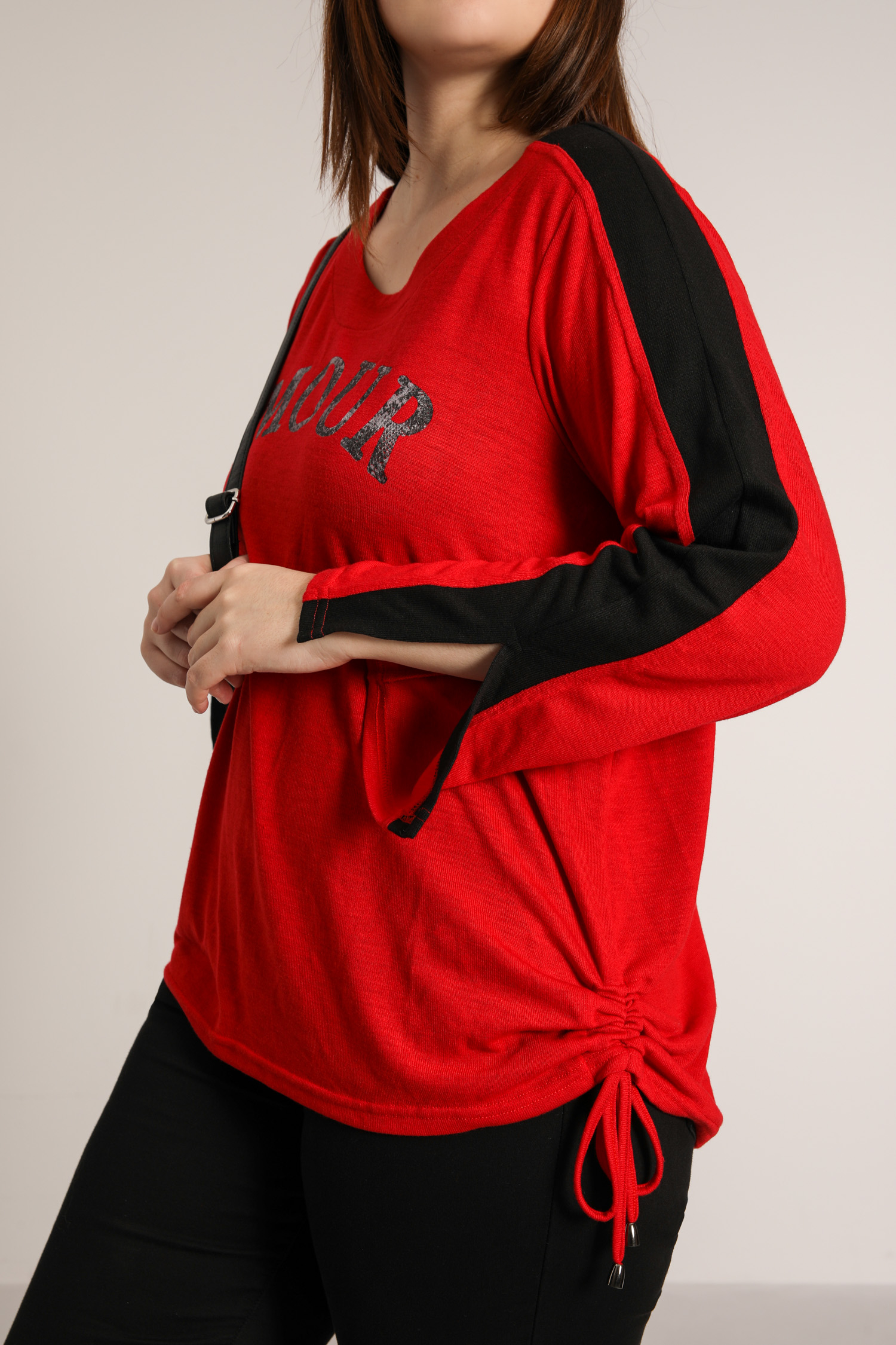 Two-tone knit sweater with serigraphy