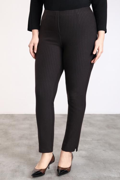 Thin stripe sheathing knit pants