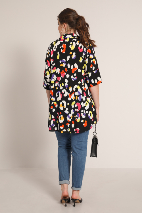 Graphic tunic with shirt collar