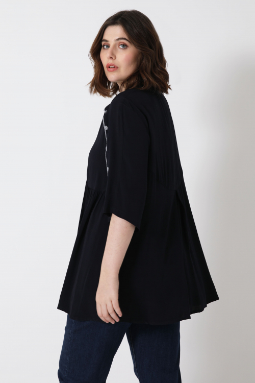 Plain crepe blouse with piping