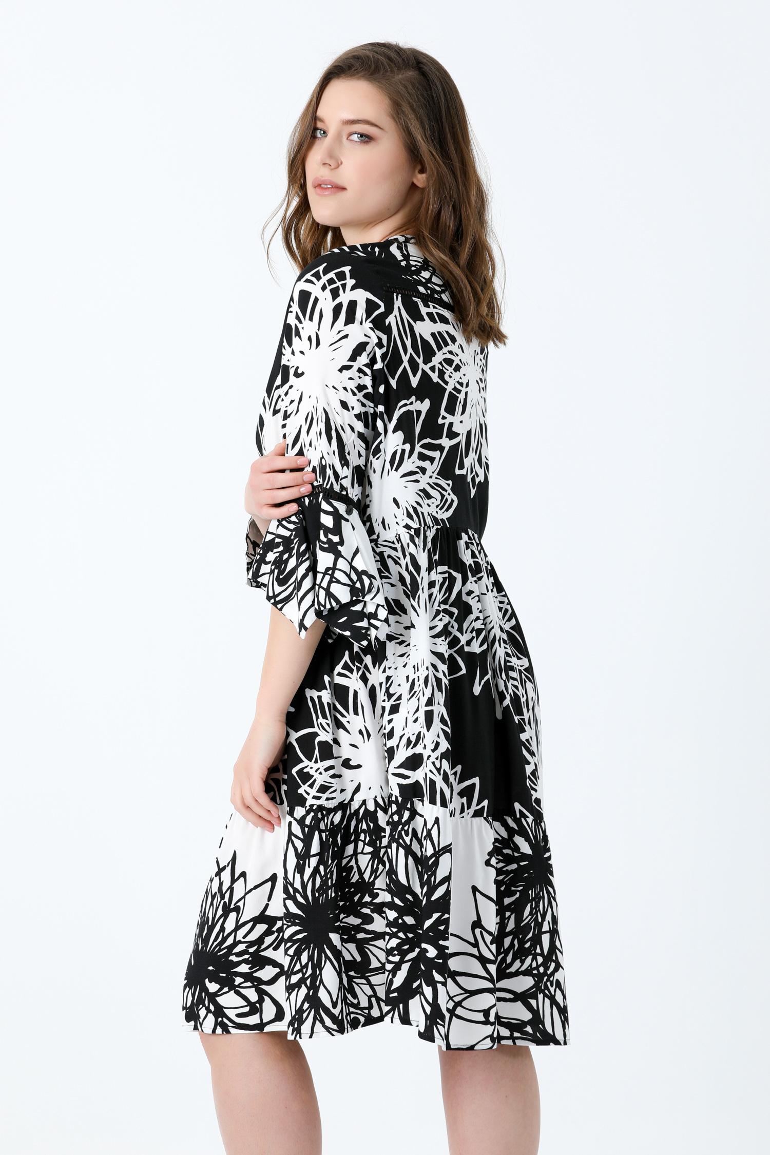 Positive / negative printed viscose dress.