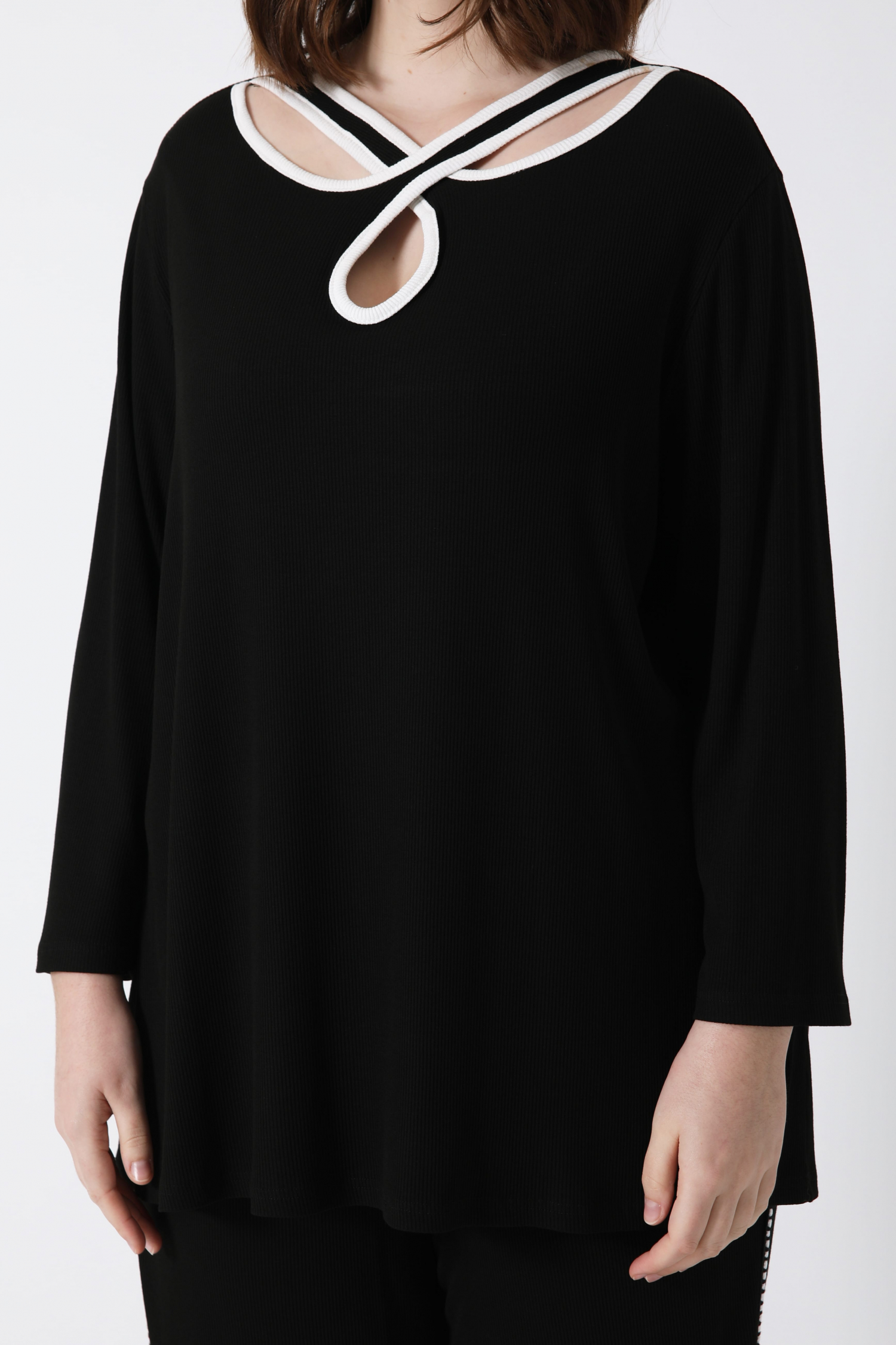 Ribbed tshirt with crossed neckline EXPEDITION 5/10 FEBRUARY 2021