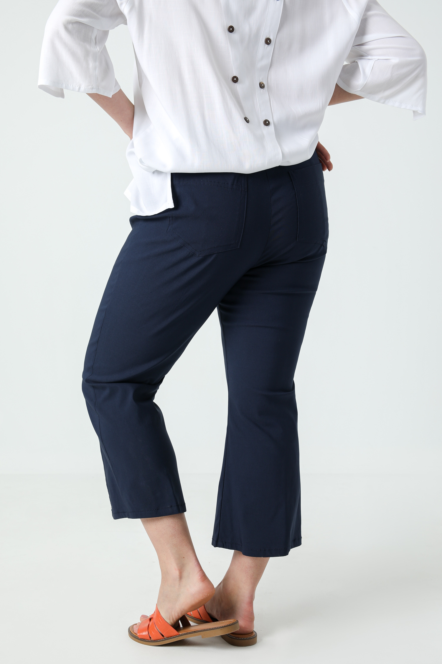 7/8 pants in bengaline with studs