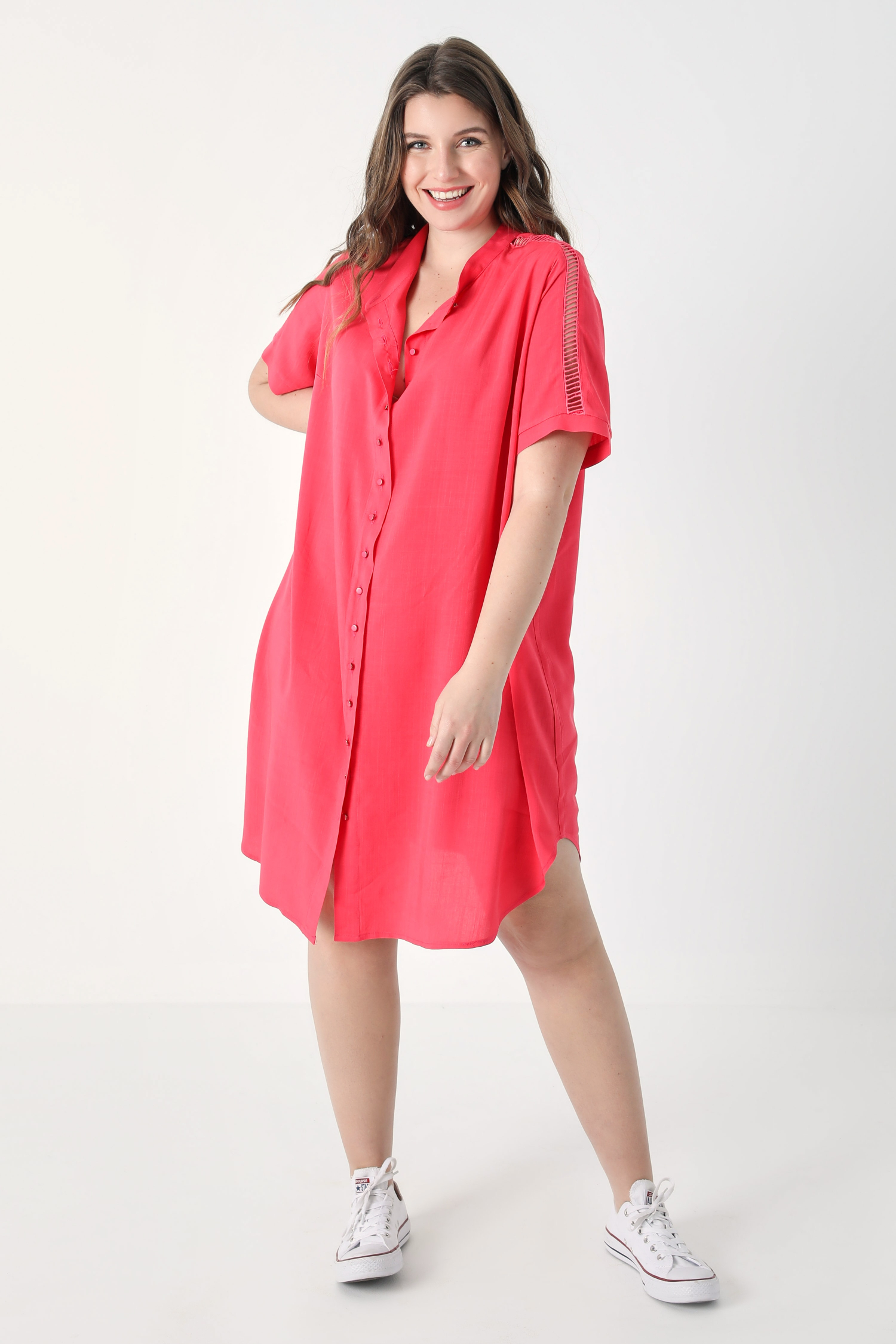 Long shirt with braid (shipping 25/31 March).