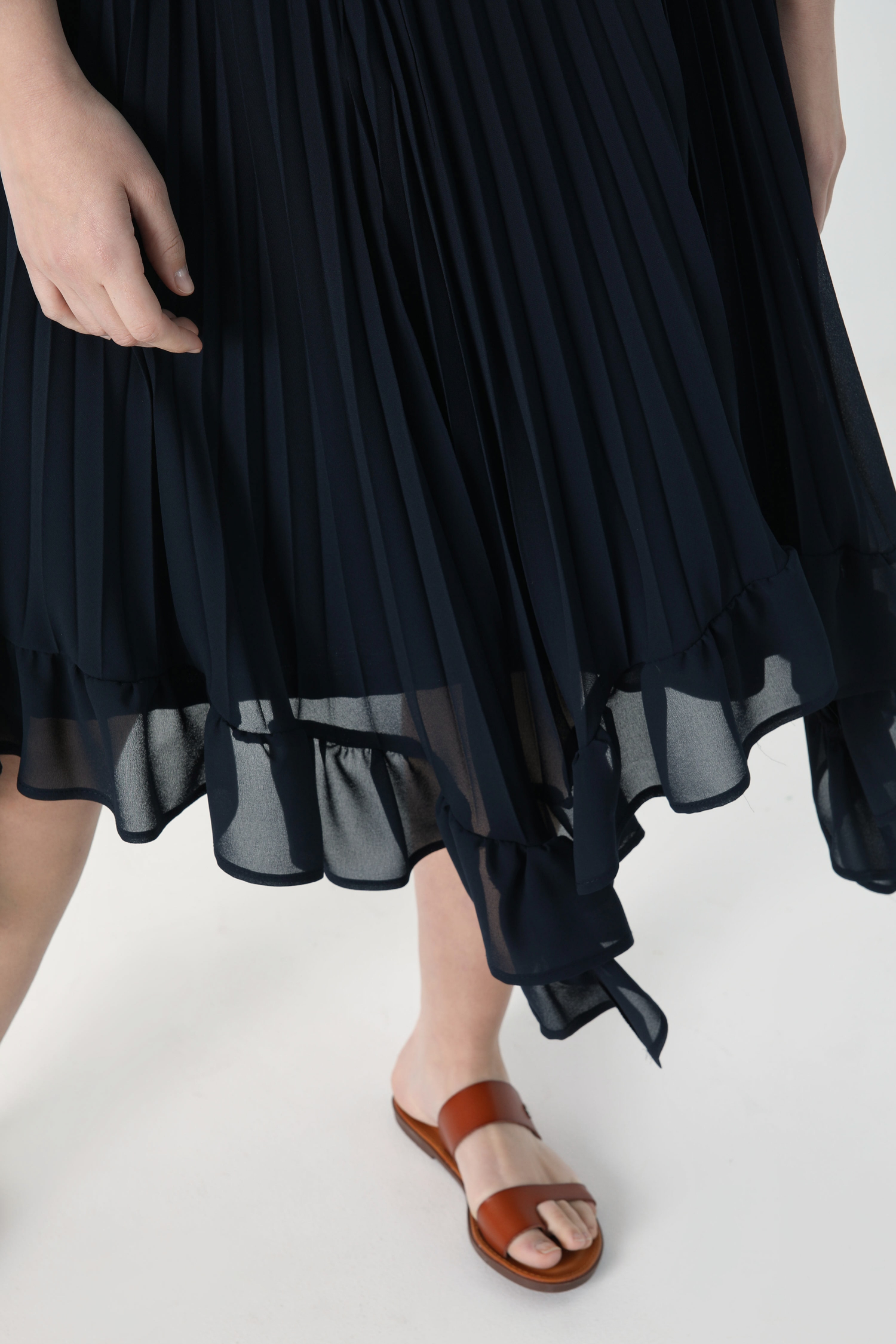 Pleated veil skirt with ruffle (expedition 25/31 March)