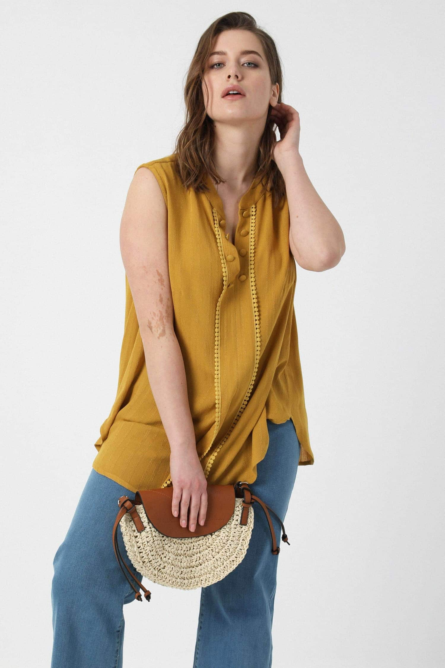 Plain crepon tank top with braid
