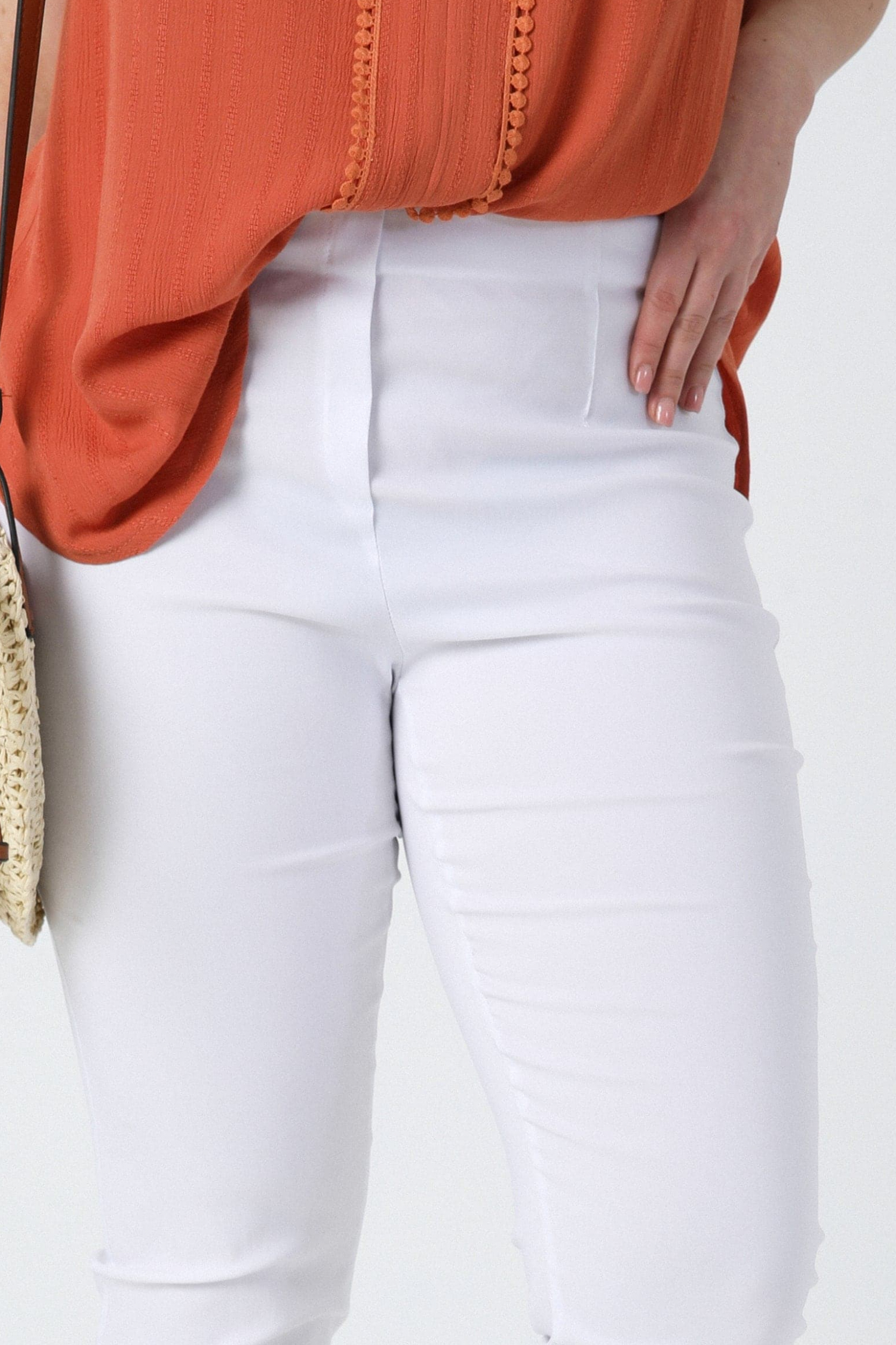 Straight sculpting pants