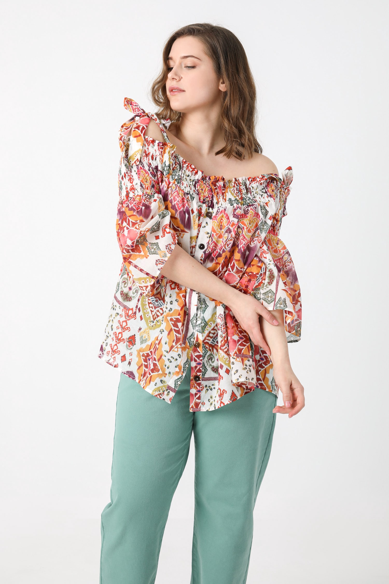 Printed veil blouse with suspenders (shipping 25/31 March)