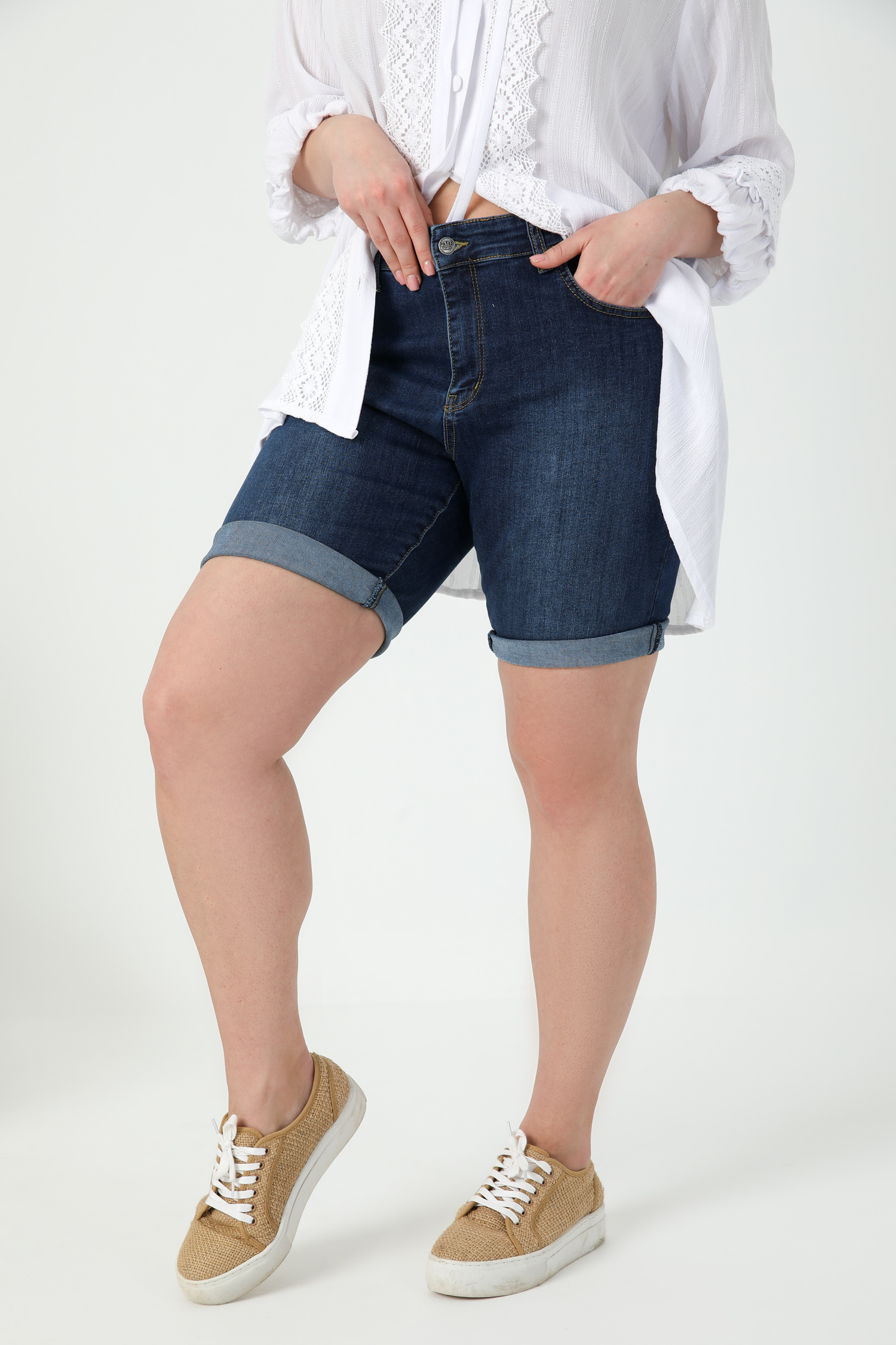 Bermuda in jeans (shipping March 25/30)
