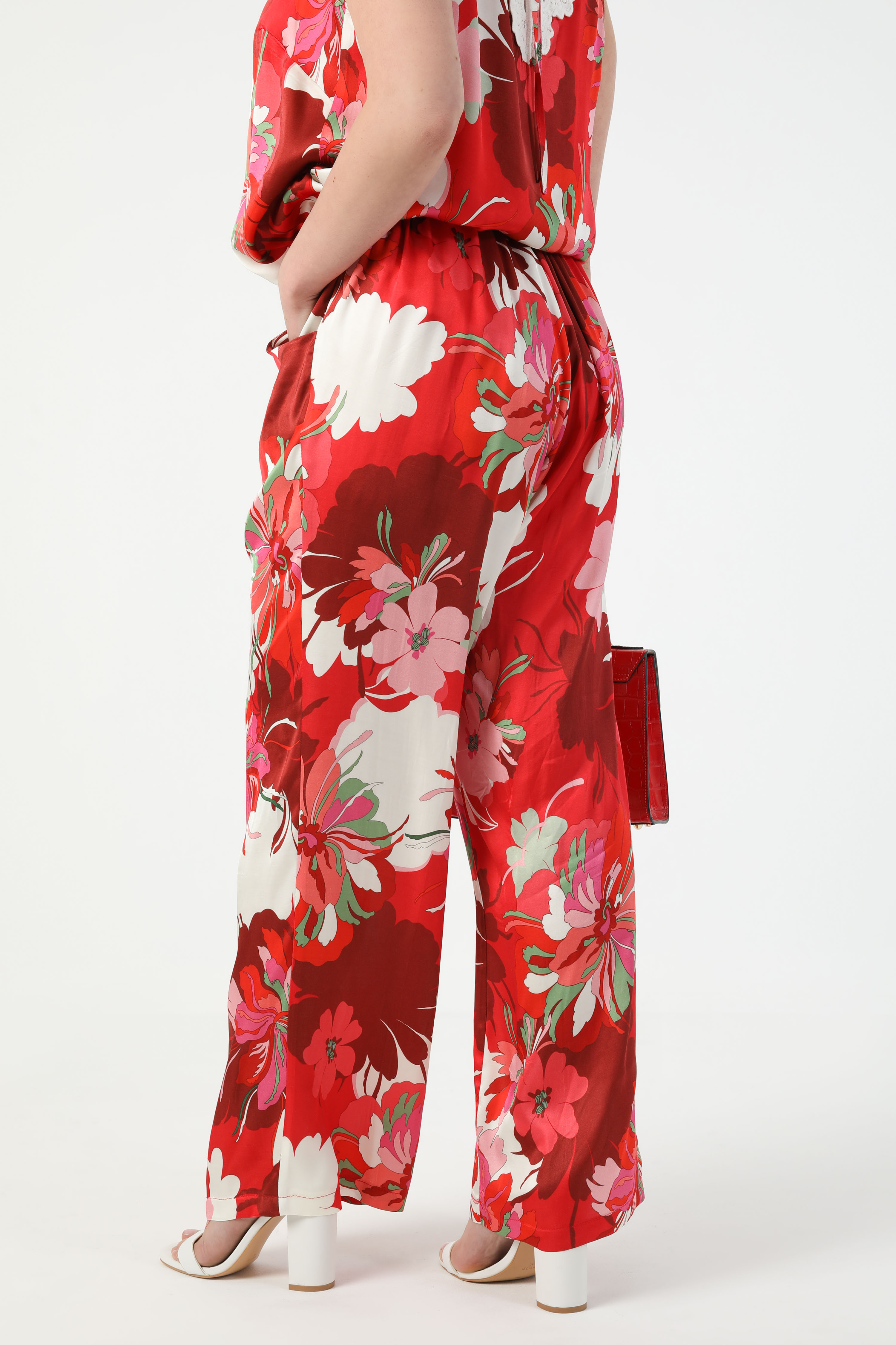 Fluid pants with satin floral print (shipping May 15/20)