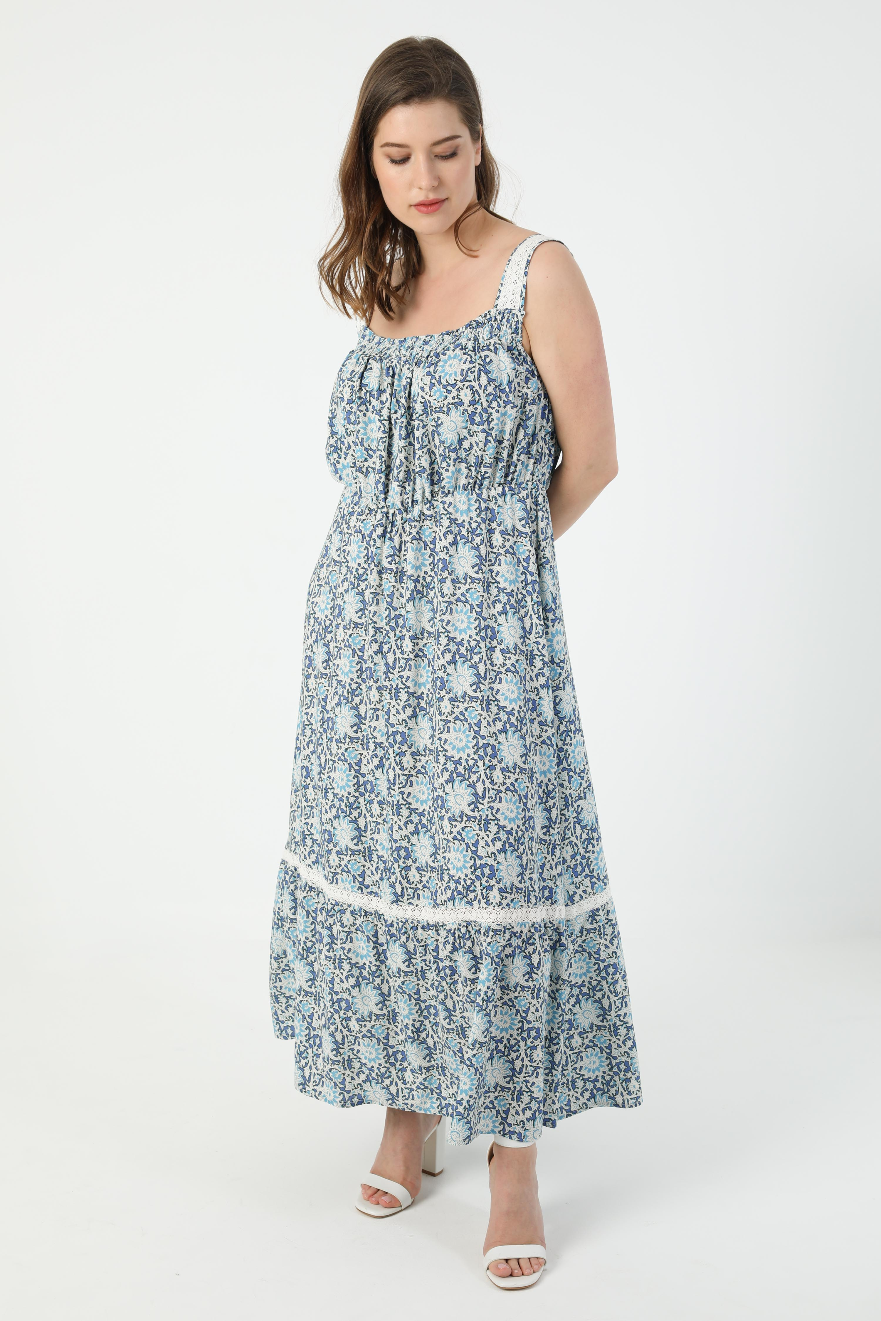 Printed dress with straps (shipping May 20/25)