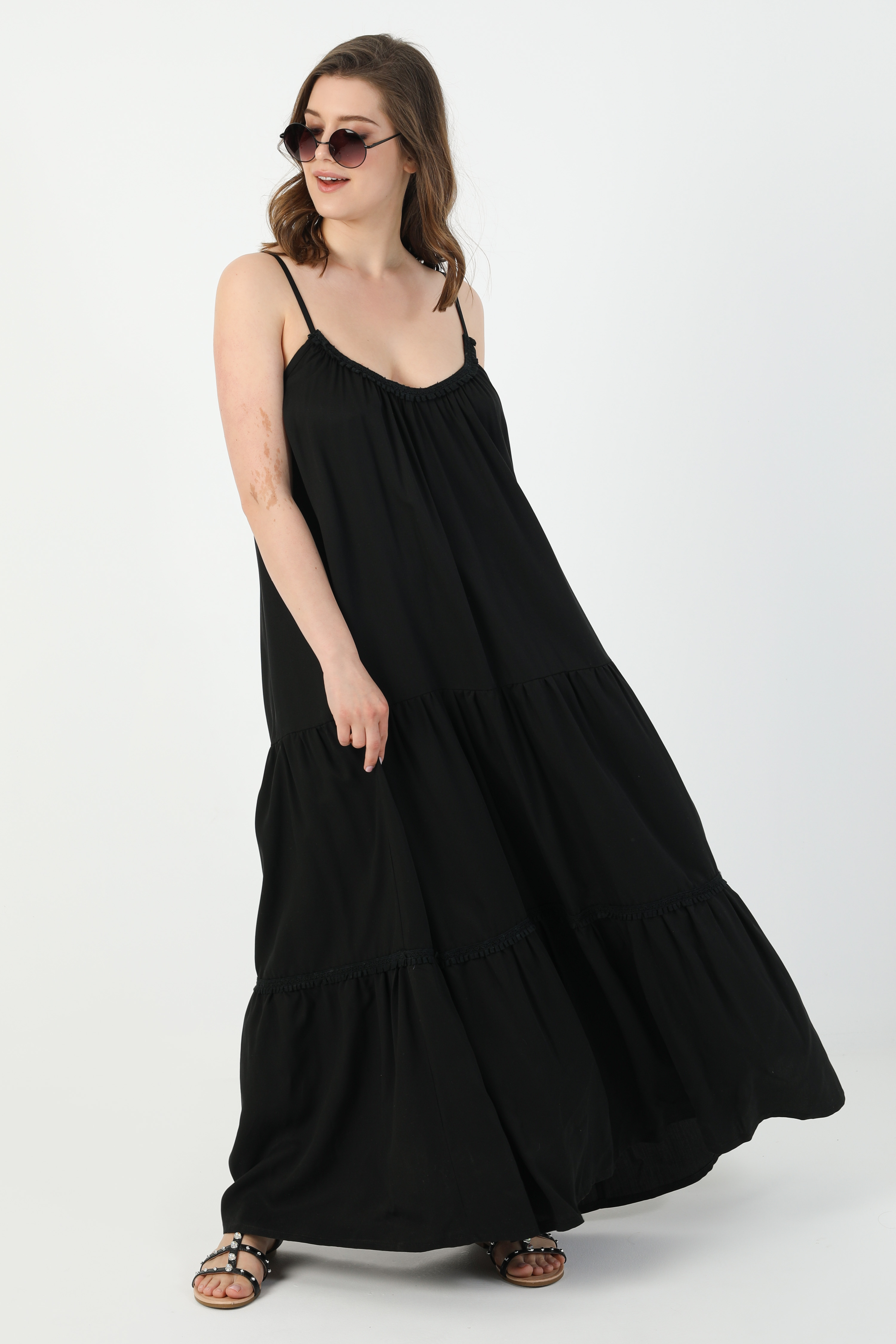Plain dress with bohemian straps (expedition 10/15 June)