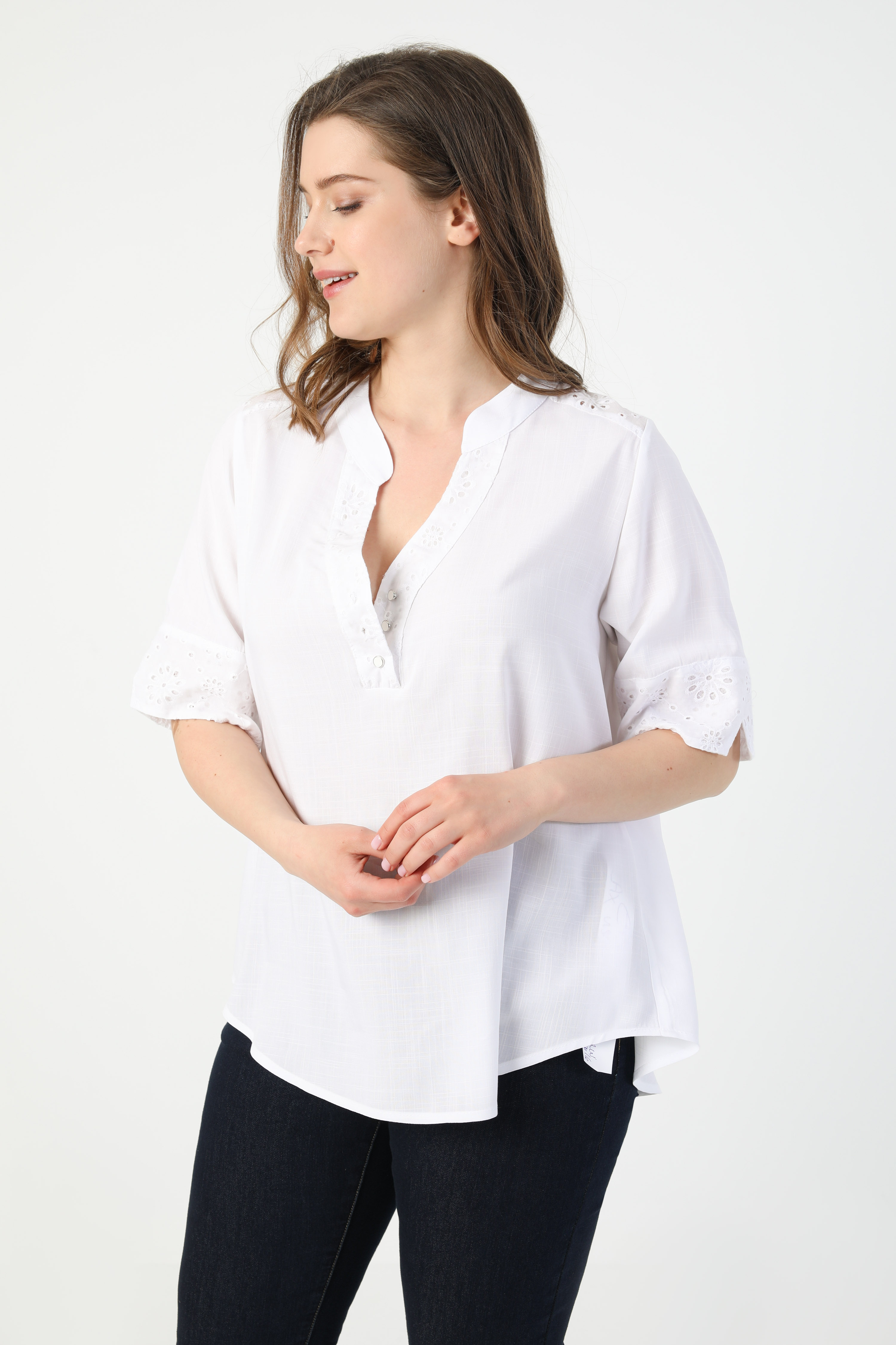 Blouse with eyelet embroidery (shipping May 5/10)