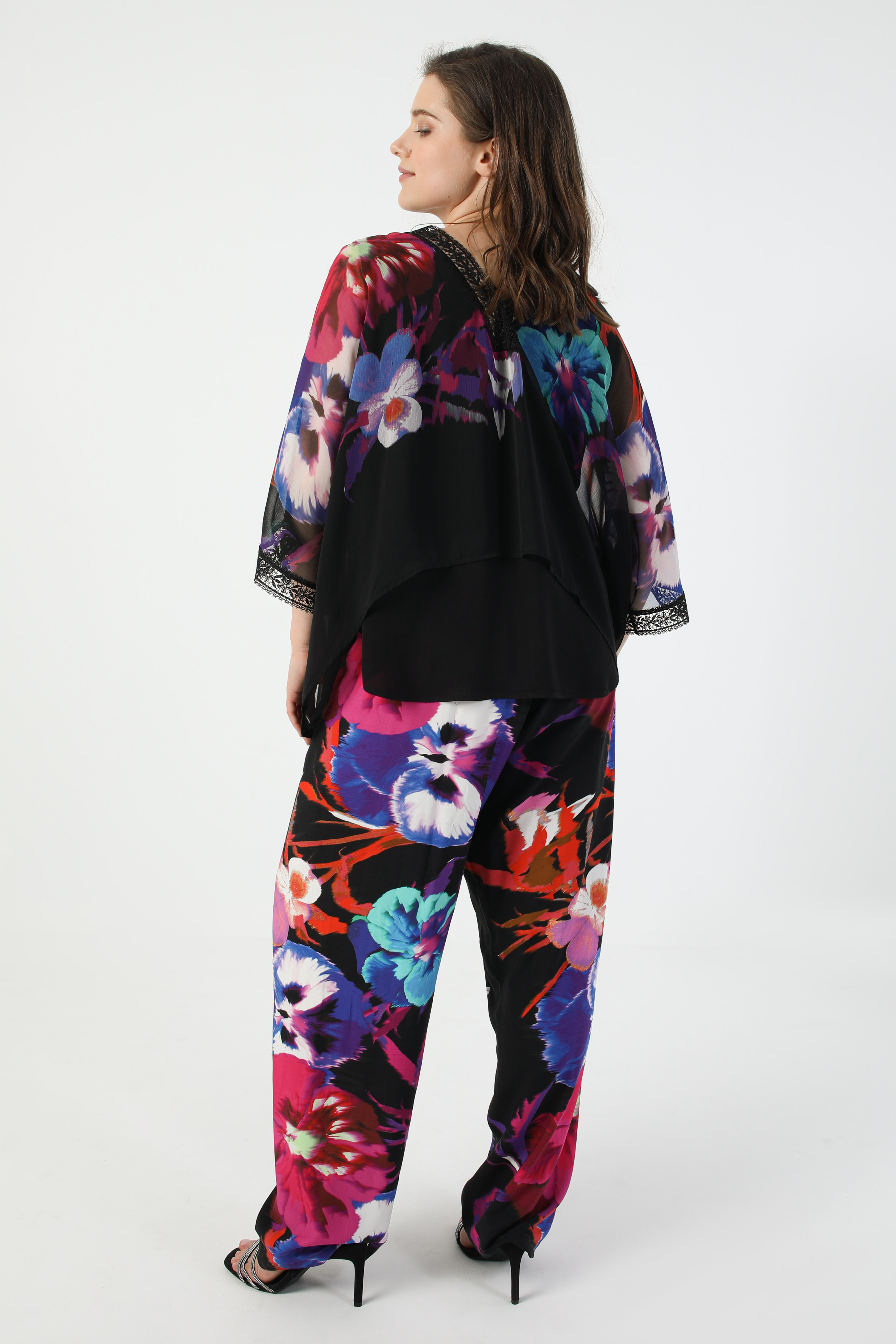 Trousers with placed design (shipping May 10/15)