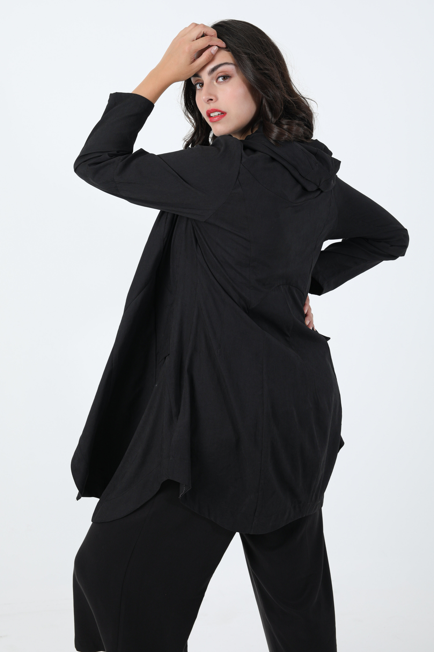 7/8 coat in plain cupro with wide cascading collar