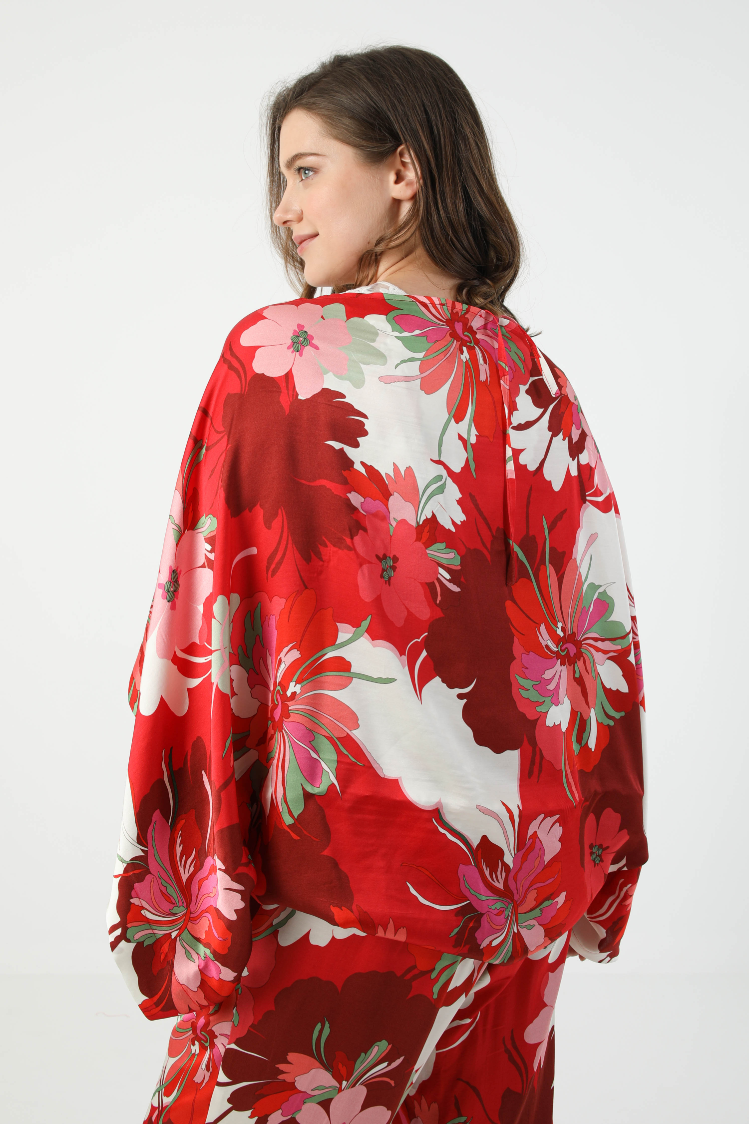 Printed stole bolero in satin floral oeko-tex fabric
