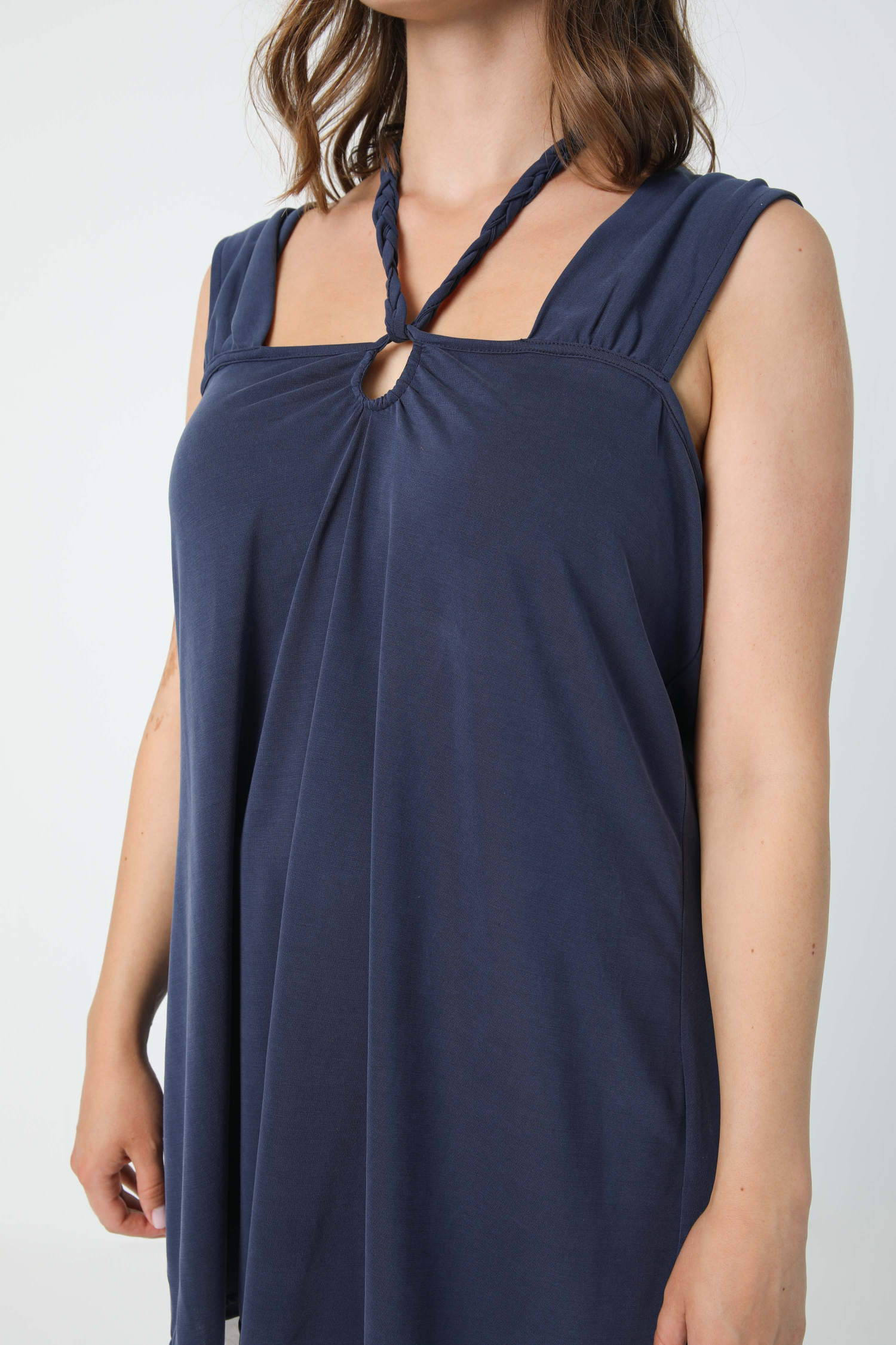 Tank top with wide straps in plain mesh with braid (shipping May 25/30)