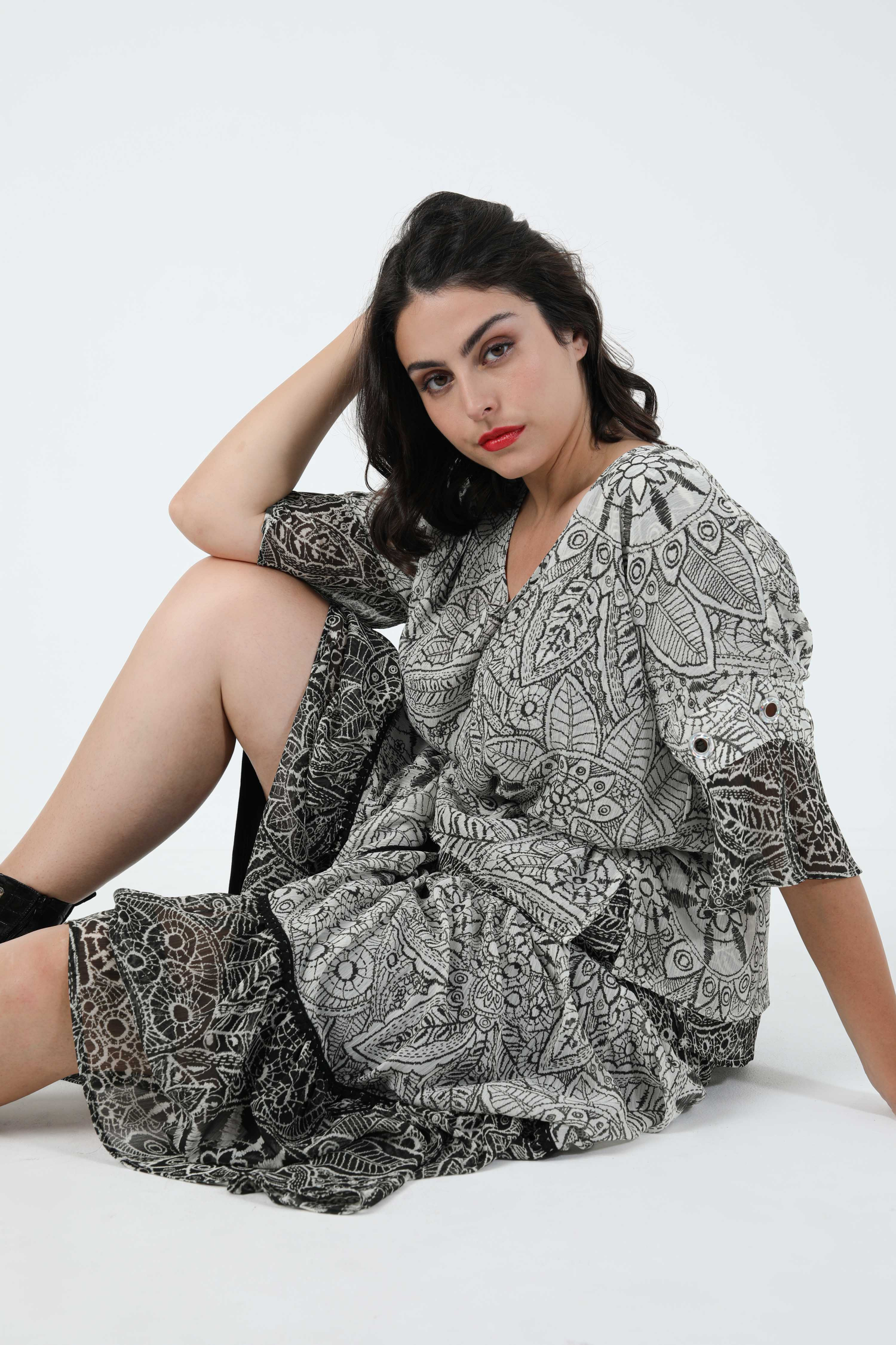 Blouse in printed veil overlaid with eyelets in eoko-tex fabrics (shipping September 15/20)