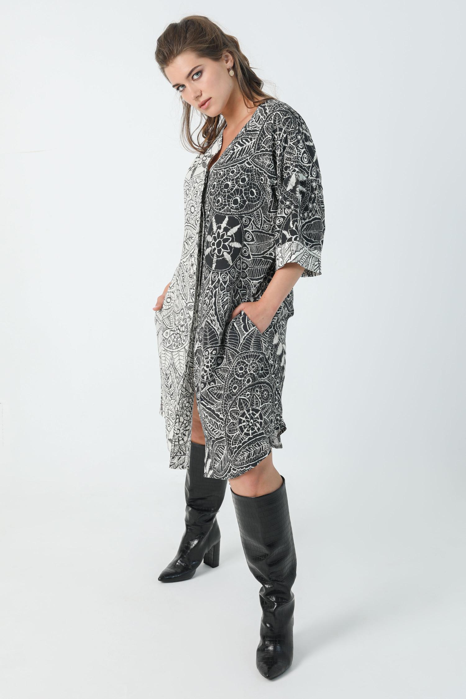 Mid-length dress with positive / negative print oeko-tex fabric