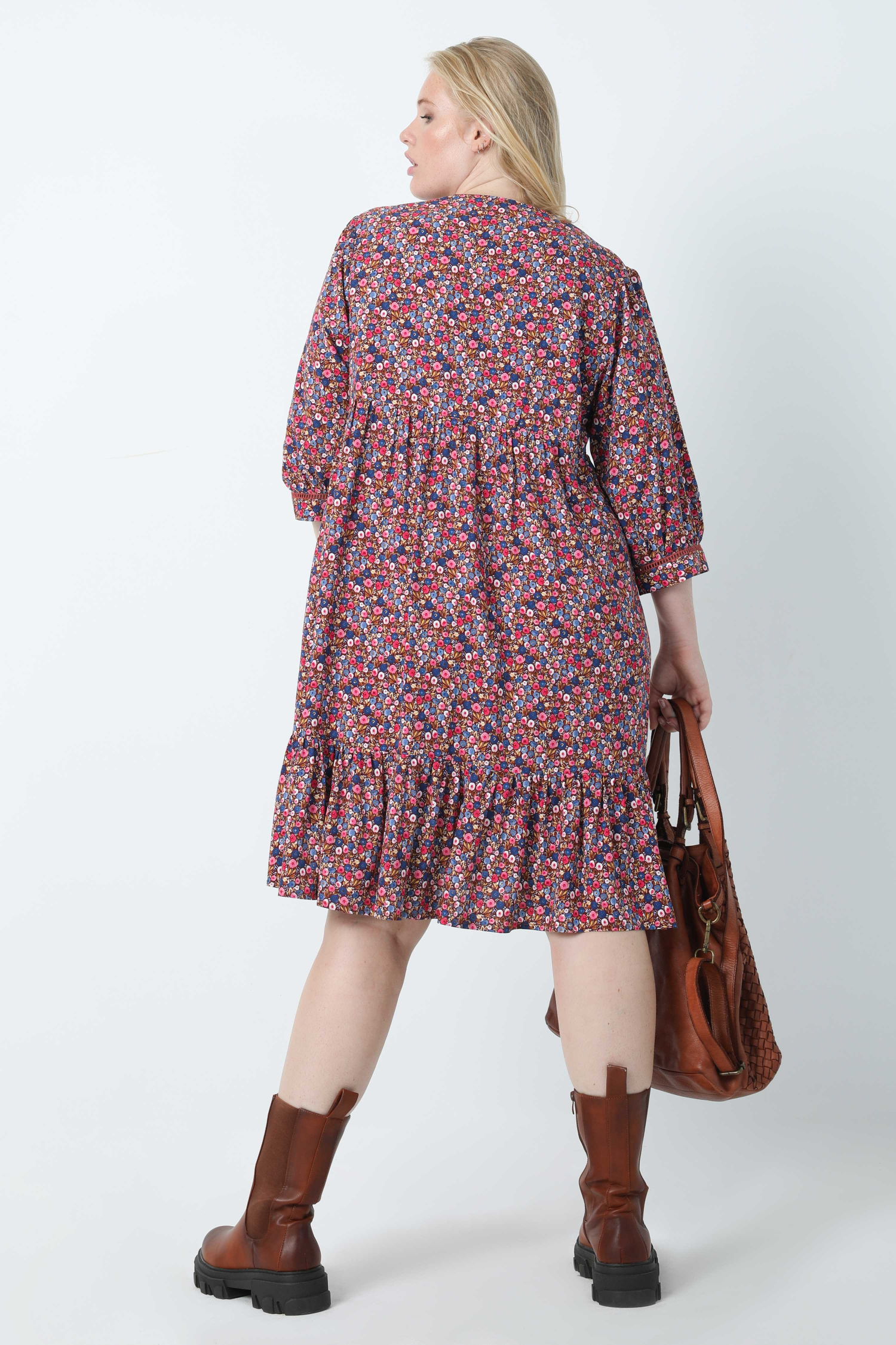 Mid-length floral print dress in oeko-tex fabric (Shipping September 25/30)